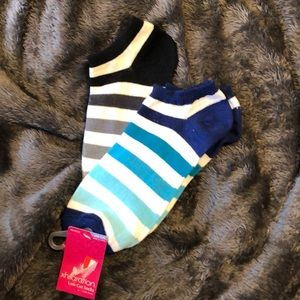 """2 Pairs of Women's Socks """"size fits most"""" NWT"""